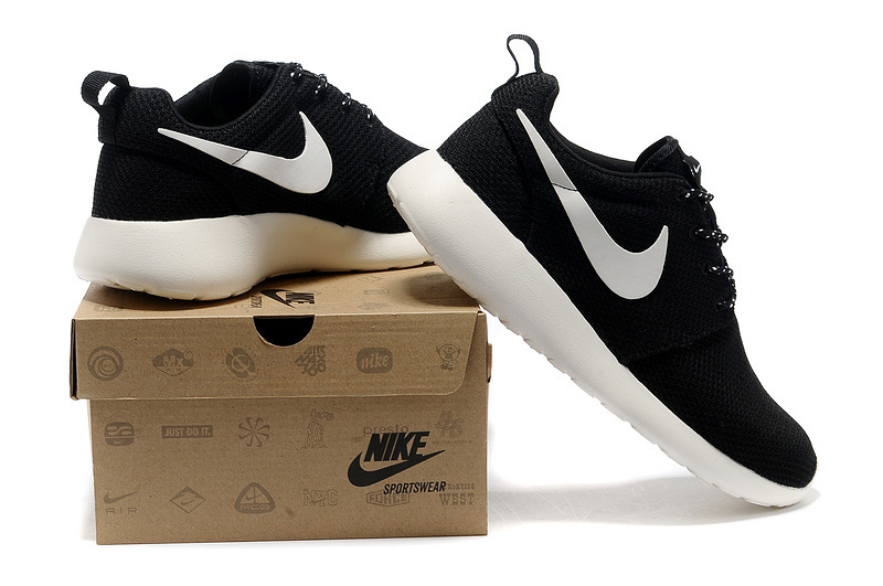 Nike Roshe Run Nere Uomo fernandodileo.it